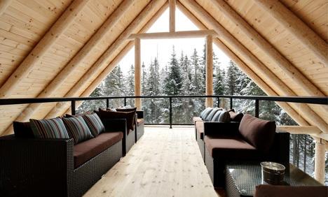 Salon avec vue sur l'hiver